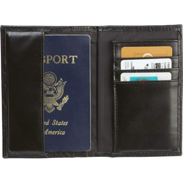 Casual Outfittersâ?¢ Solid Genuine Leather Passport Cover